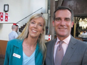 L.A. Mayor Eric Garcetti (right) and MEUSA Board Chair Jane Wishon